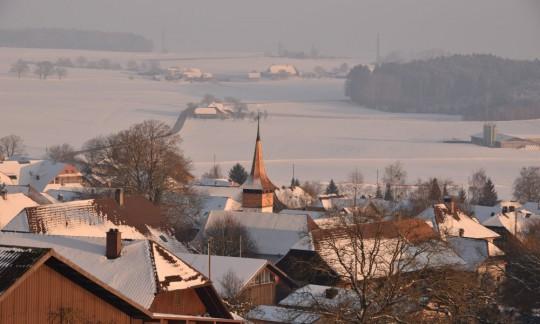 Meikirch mit neu restauriertem Kirchturm, Winter 2014-2015